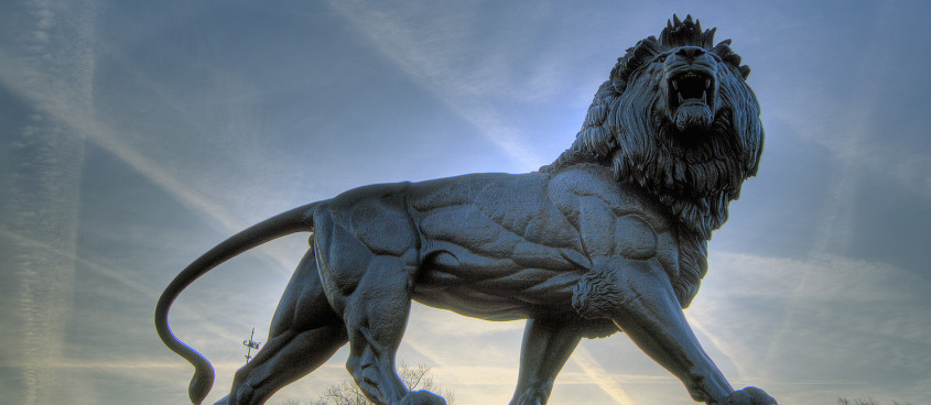 Forbury Lion Picture Large Original cropped 2
